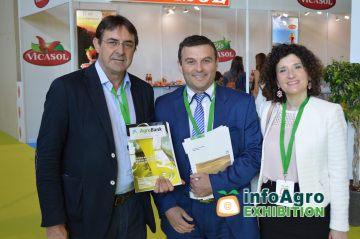 la caixa - patrocinador oficial  Feria Infoagro Exhibition